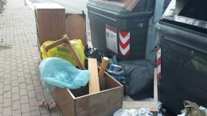 decoro urbano, Torresina, Municipio Roma XIV, discarica, zozzoni,abbandono rifiuti ingombranti, reato ambientale