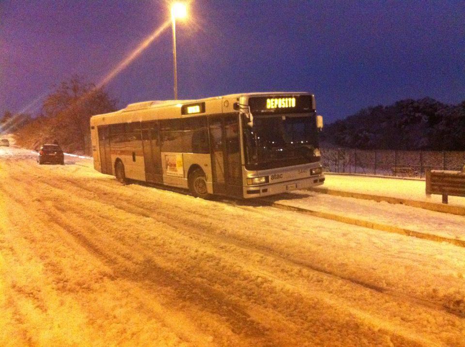 Rischio neve: Campidoglio, scuole chiuse lunedì 26 febbraio, firmata l'ordinanza