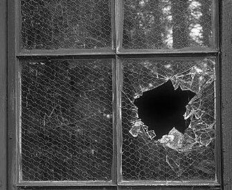 La teoria della finestra rotta